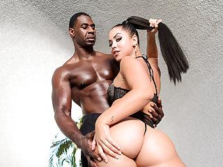 Super hot spanish babe, Alina Lopez fucked hard!